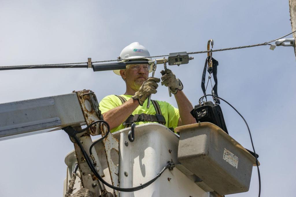 Ariel Fiber Installation Contractor New England BAS