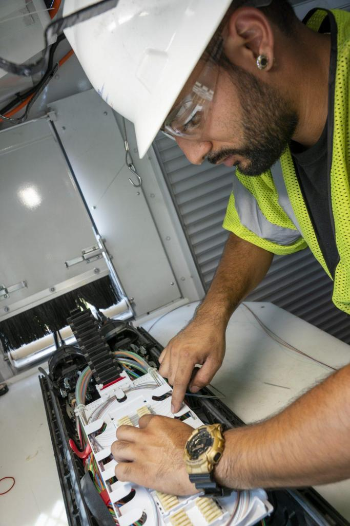 Fiber Splicing Technician Testing Troubleshooting Services