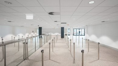 Photo of Brisbane Airport expanded with sustainable mineral fiber ceilings panels