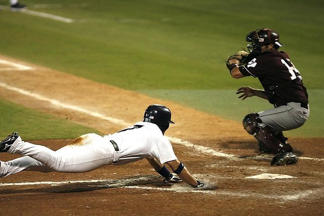 51e3d4424a51b108f5d08460962d317f153fc3e45657784f762f7dd494 640 1 - A Lot Goes Into A Great Game Of Baseball