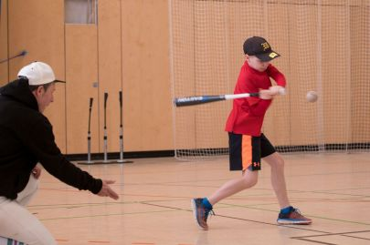 Johannes hitting