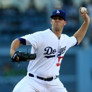 Alex Wood pitching against the Chicago Cubs
