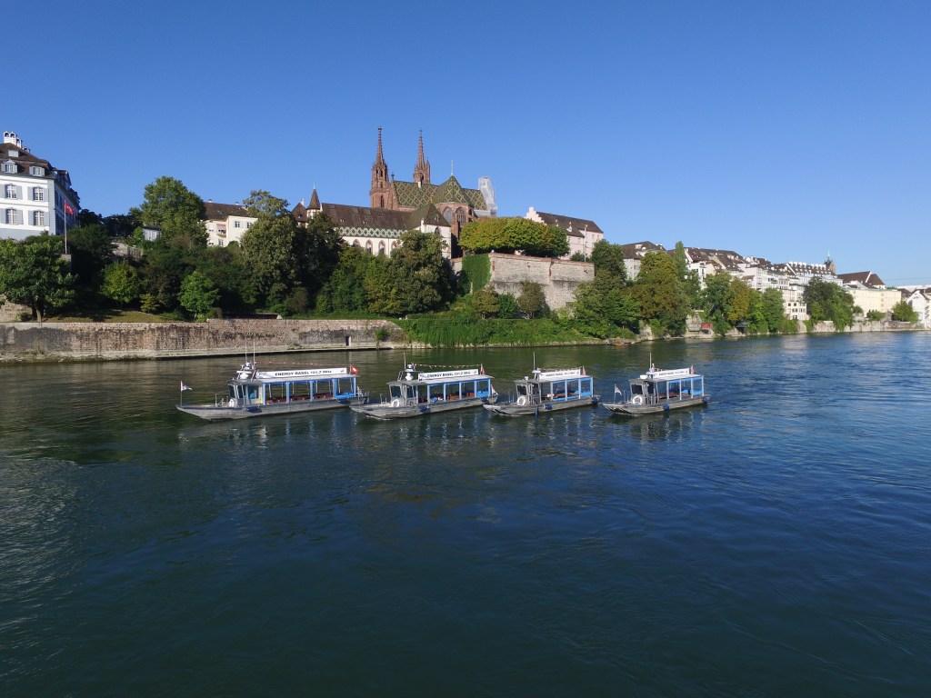 Basel und Region - mit René Didden im Rhytaxi Basel auf dem Rhein   baselundregion.ch