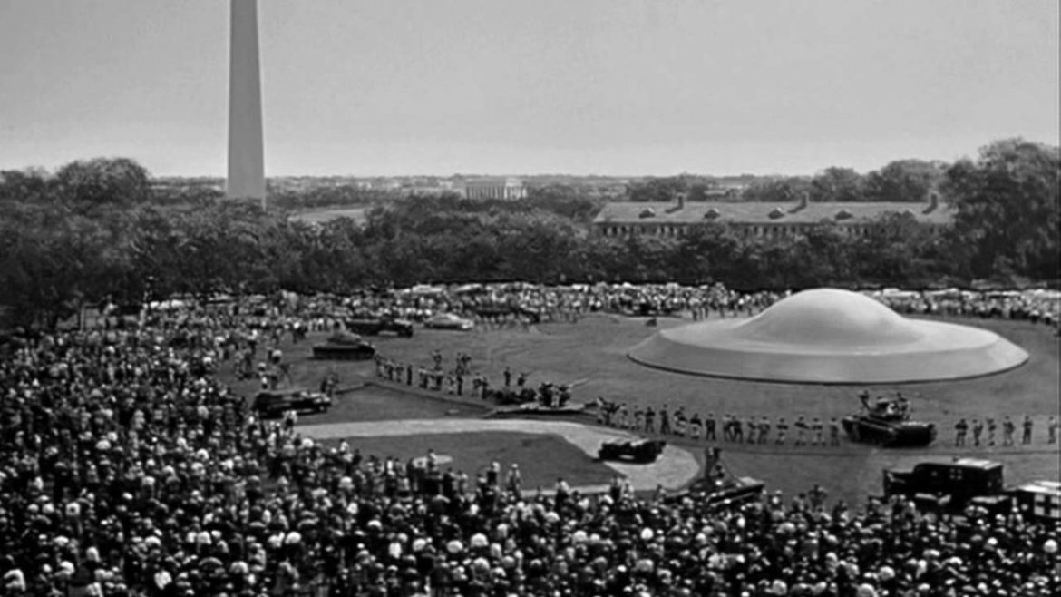 day-the-earth-stood-still-1951-dc-1200x675