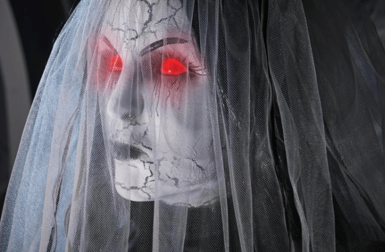 THE BASEMENT'S HALLOWEEN HAVEN: 6 ft. Animated Haunting Ghost Bride by Home Accents