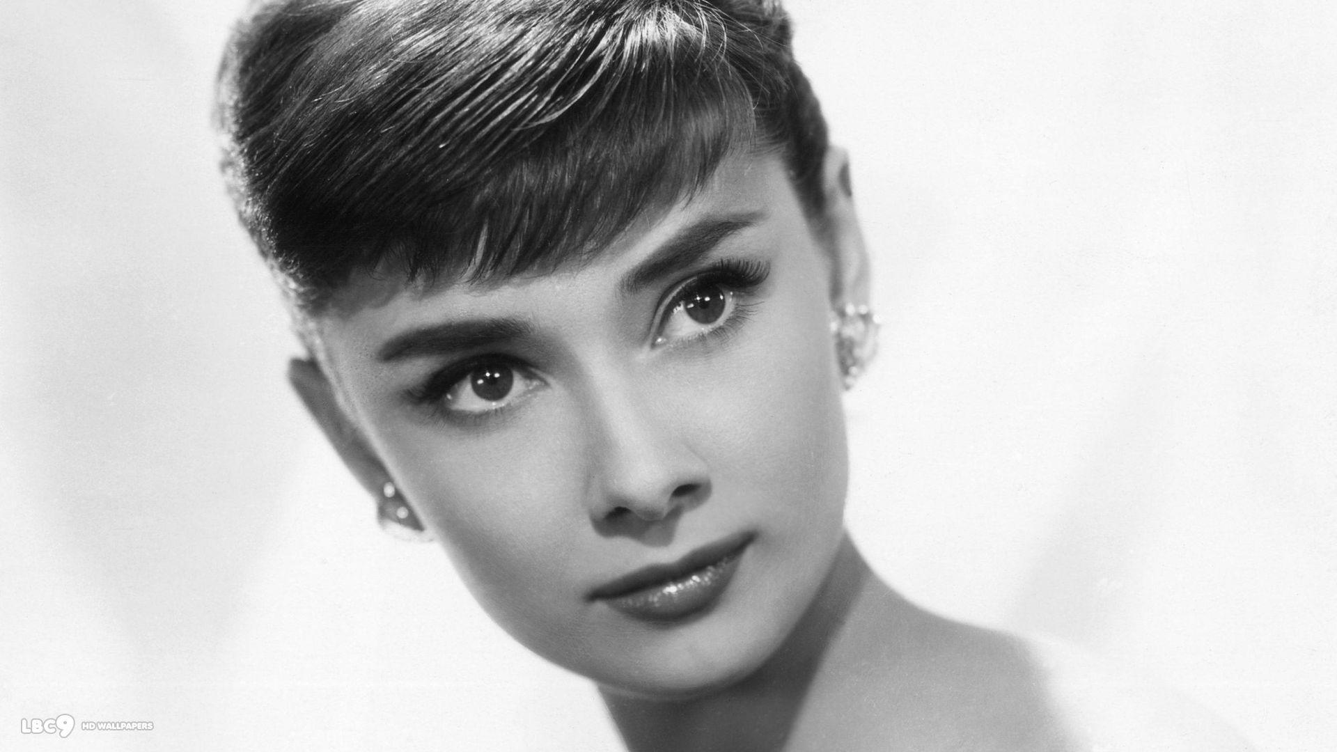 Hollywood'un Masum Yüzlü Latin Güzeli