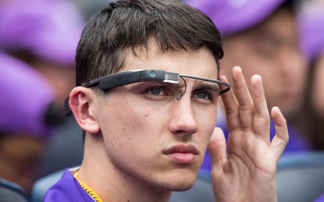 """""""نظارة غوغل """" بارقة أمل للمصابين بالتوحد"""