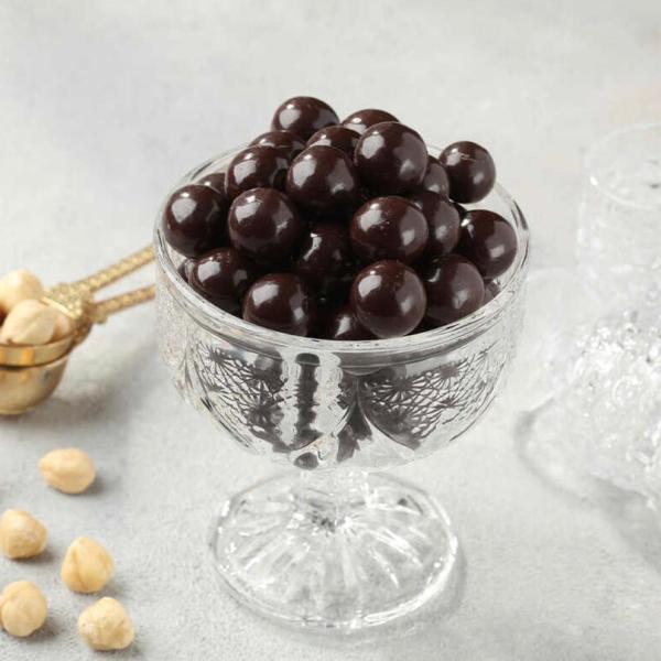 البندق الطبيعي مغطى بالشوكولا الداكنة 1 كيلو طازج ومن أجود الأصناف التركية توصيل سريع لكل دول العالم من قصر الباشا إلى باب منزلك .