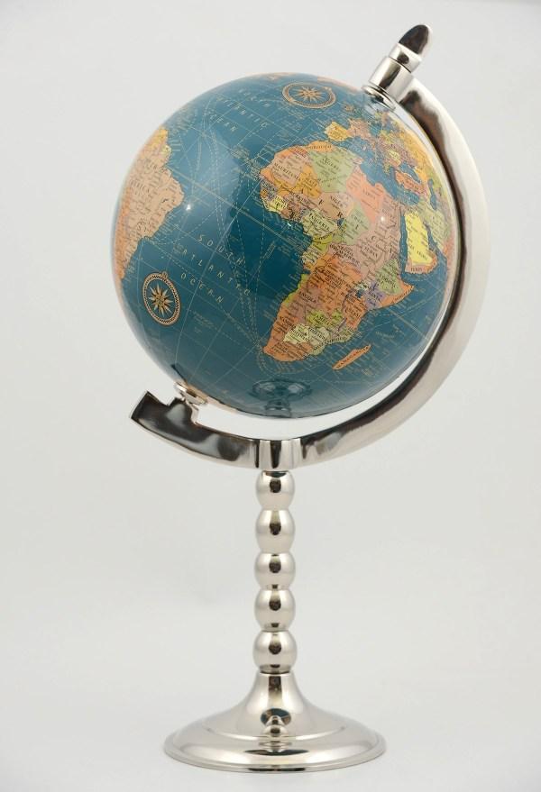 مجسم الكرة الأرضية من النيكل 3000 غرام