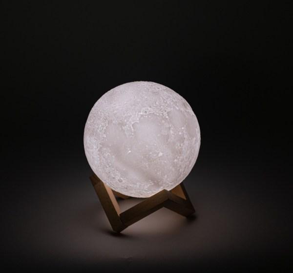 مصباح ضوء القمر