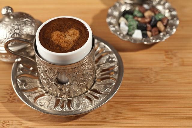 القهوة التركية وتاريخها العثماني القديم
