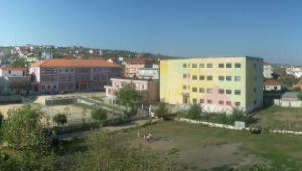 """Shkolla 9 të Vjeçare """"Halit Uruçi"""" dhe Shkolla e mesme e përgjithshme """"Gjimnazi""""- """"Sami Frashëri"""", Belsh"""