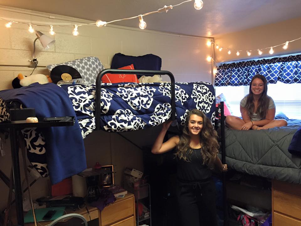college dorm room move in day