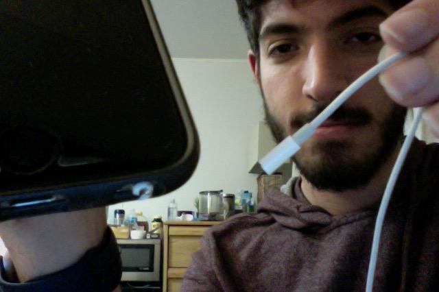 Broken Apple Earpods