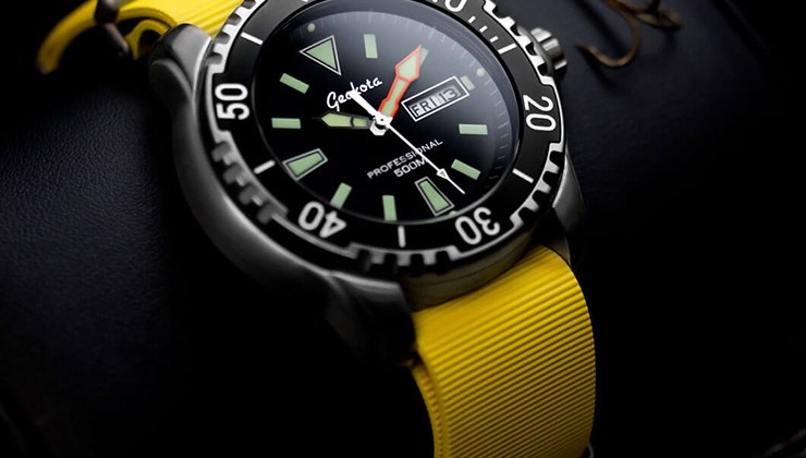 ZD1-Yellow-Rubber-Nato-watch-gecko