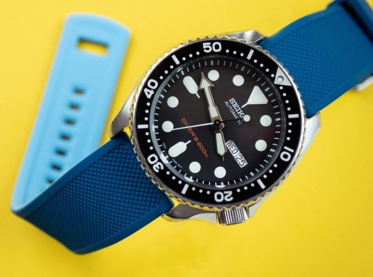 Barton Bands Blue Flatwater Silicone Quick Release Band on a Seiko SKX 007 Diver