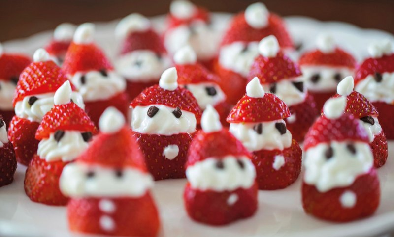 Strawberry-santas_web