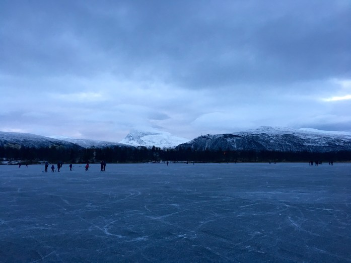 Ice skating at Prestvannet