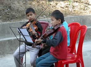 violin_students_lr.jpg