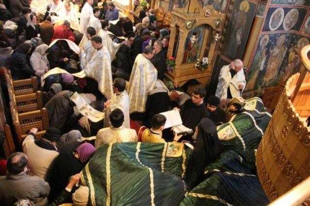 slujire-arhiereasca-la-catedrala-arhiepiscopala-din