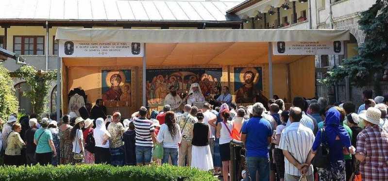 patriarhul-romaniei-la-manastirea-sfanta-maria