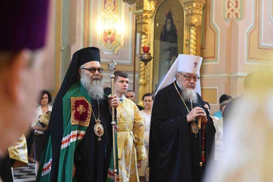 Patriarhul Antiohiei şi Mitropolitul Varşoviei, în timpul slujbei de mulţumire (Te Deum), cu prilejul vizitei oficiale a Patriarhului Antiohiei în Polonia.