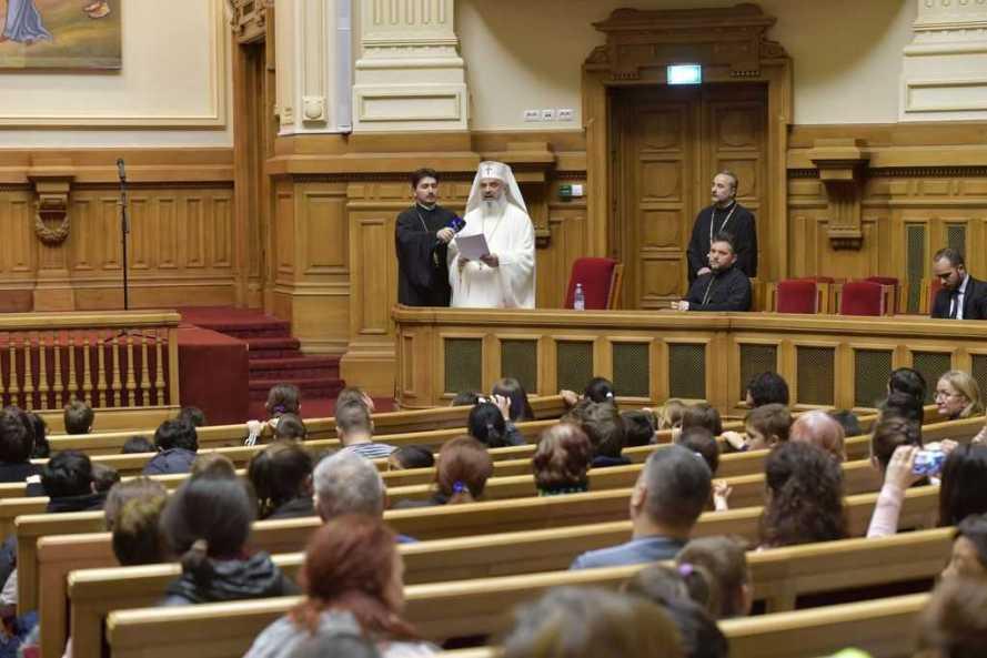 """Mesajul Patriarhului României la Spectacolul """"Sfântul Nicolae în mijlocul copiilor"""