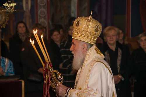 Sfânta Liturghie la Mănăstirea sârbeacă din Milton, Ontario