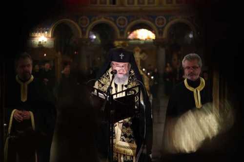 IPS Laurenţiu slujind la Sibiu