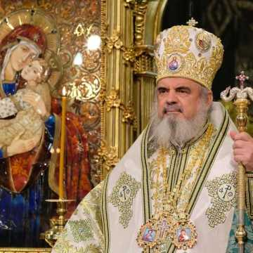 Patriarhul Daniel - Liturghie Florii Catedrala ..... </p> <!--  --> <br/> Data: Apr  9, 2017<br/>  </div>    </td> </tr></table> </div> </div> </div>  </td> <td class=