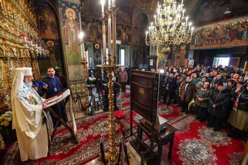 Patriarch Daniel at Samurcasesti Monastery on the Feast of the Life-Giving Spring of the Mother of God 2017
