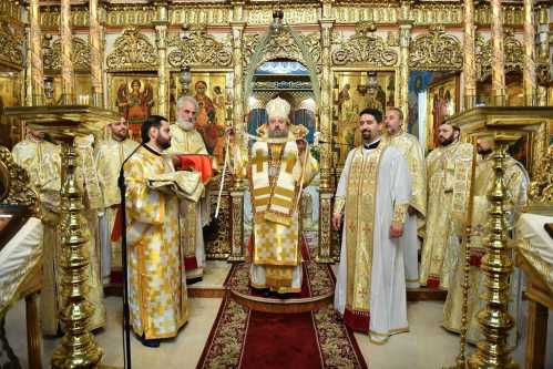 Bishop Timotei of Prahova ordains priest
