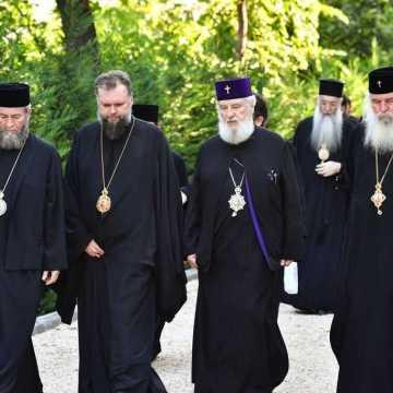 Patriarhul Daniel si membrii Sfantului Sinod al Bisericii Ortodoxe Romane au vizitat Parcul Resedintei Patriarhale (11)