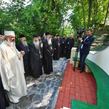 Patriarhul Daniel si membrii Sfantului Sinod al Bisericii Ortodoxe Romane au vizitat Parcul Resedintei Patriarhale (6)