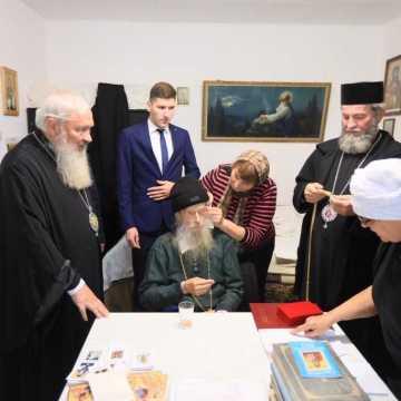 Mitropolitul Clujului l-a vizitat duminică pe Arhim. Mina Dobzeu