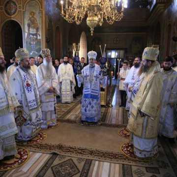 Hram Miercurea Ciuc în prezenţa Mitropolitului Laurenţiu al Ardealului