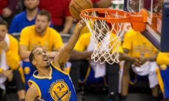 DDN150423074_Golden_State_Warriors_vs_New_Orleans_Pelicans-400x240