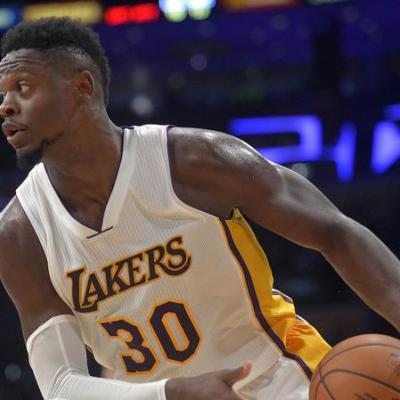 julius-randle-and-the-baby-lakers-grow-up-1481845102