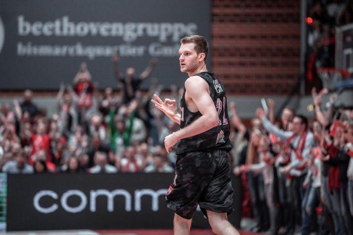 Florian Koch bleibt Würzburg erhalten