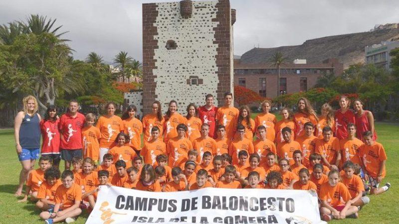 Graciela Díaz y Suzanne Fariña, en el exitoso 'Campus de Baloncesto La Gomera' del UB Laguna