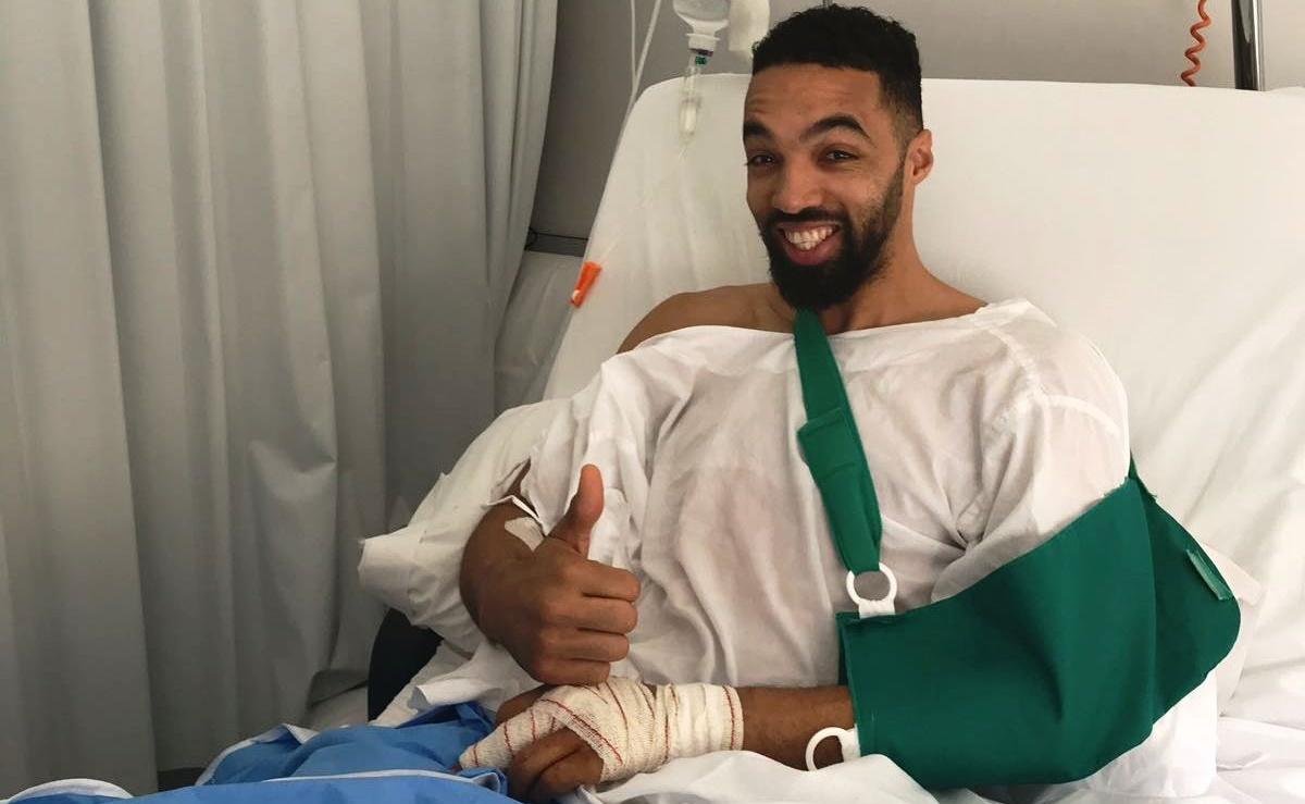 White ya ha sido operado de su mano izquierda
