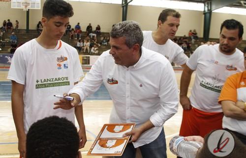 Federico Toledo continuará al frente del banquillo del Lanzarote Conejero