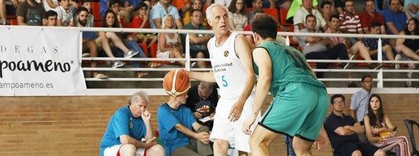 Las Leyendas Blancas del Real Madrid jugarán en el Torneo Over40 Basket
