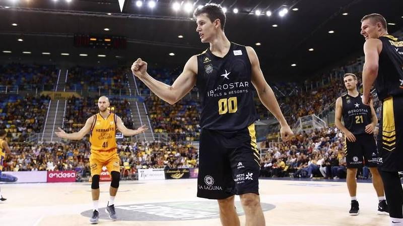 San Miguel es sería duda para este domingo: «Forcé para jugar en Grecia y ahora no sé si estaré ante el Gran Canaria»