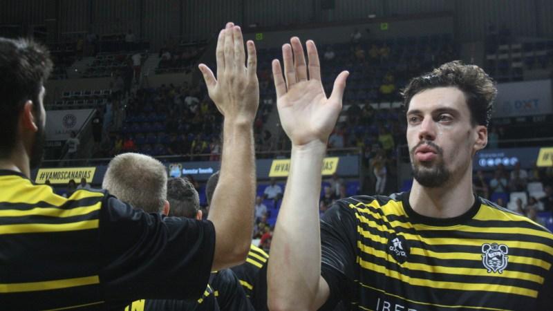 Álex Suárez se gana ser aurinegro toda la temporada