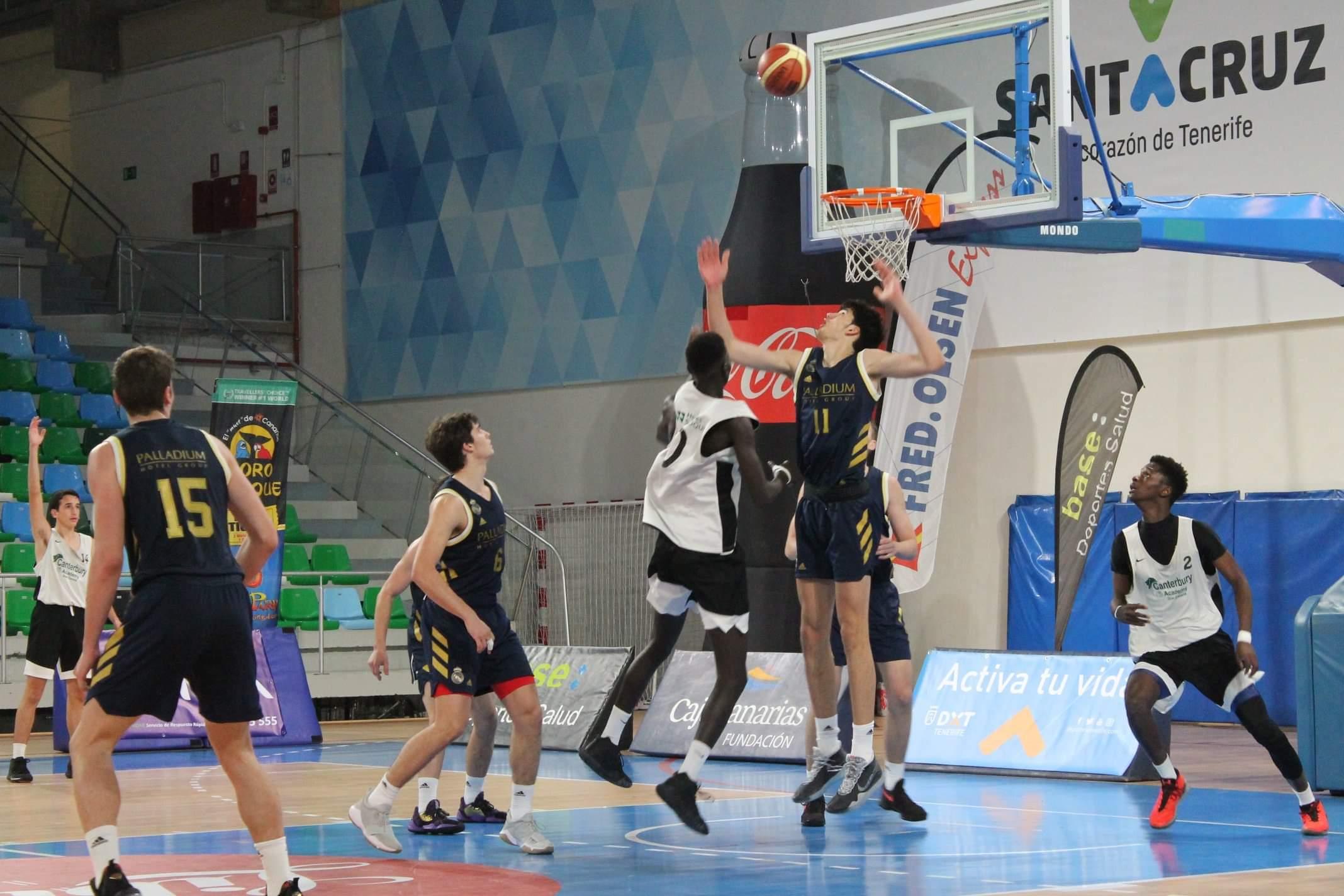 El Real Madrid quiere repetir título y viene a por todas al 'XXIII Fred Olsen Express International Basketball Tournament'