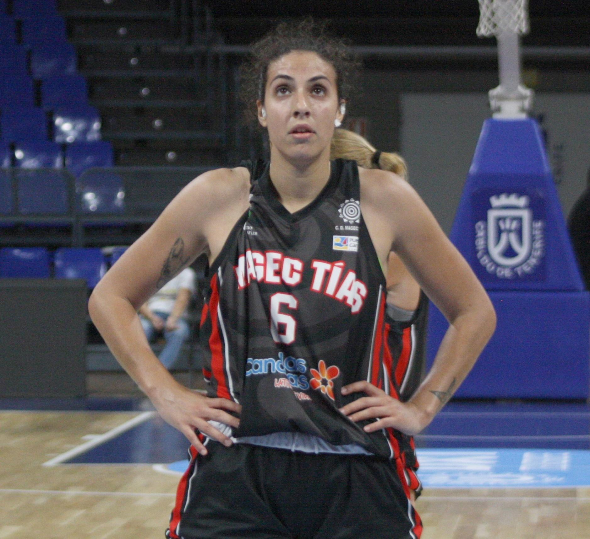 Entrevista | Yaiza García medita jugar una temporada más