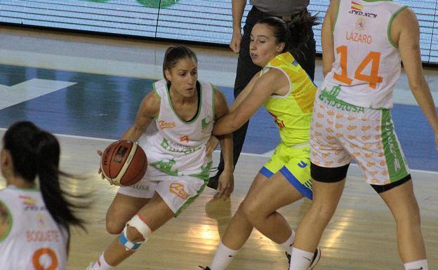 La tinerfeña Laura Fernández buscará el ascenso a Liga Femenina en Ferrol