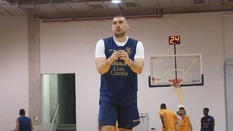[VÍDEO] Burjanadze: «Haremos un juego dinámico y nos ayudará a ganar»