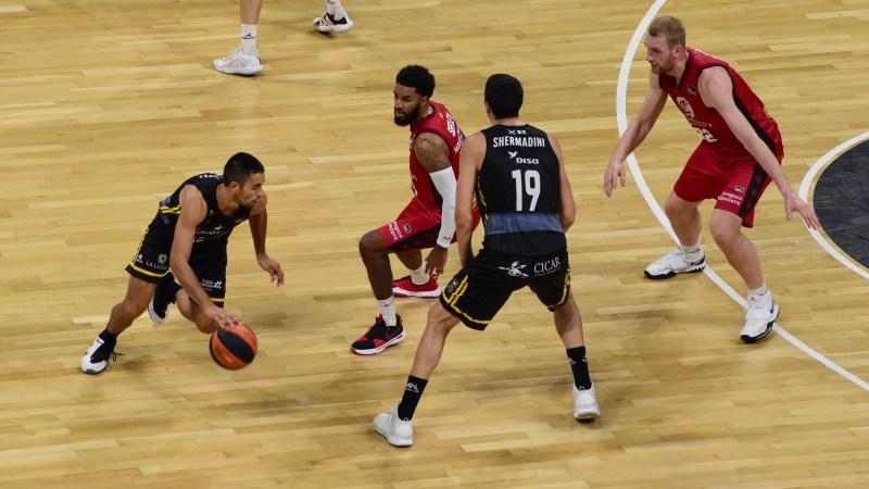 Álex López jugó su partido cien en ACB